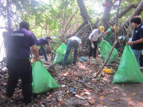 azul-ambientalistas-voluntariado-playas